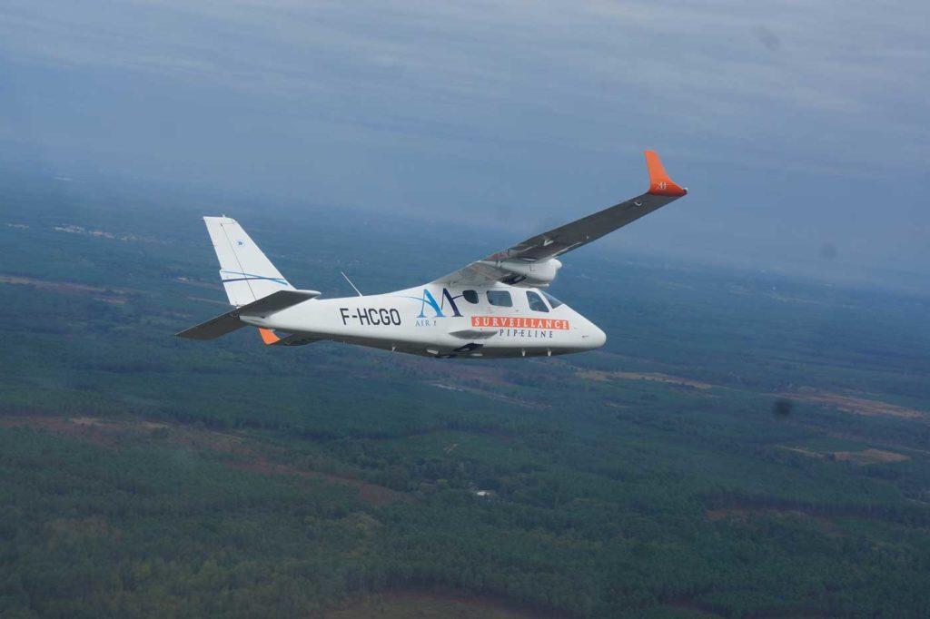Tecnam P2006 surveillance par avion
